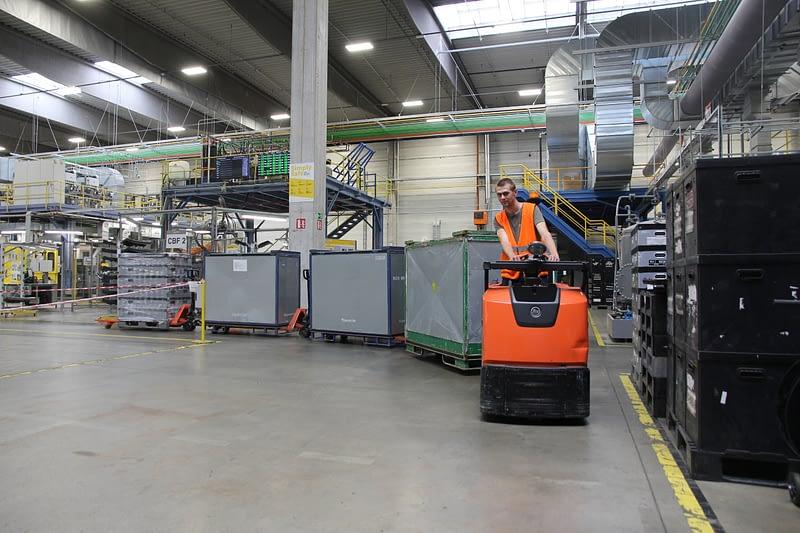 Vláček z paletových vozíků ve společnosti RAI Most